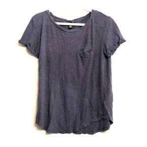 Casual navy T-shirt